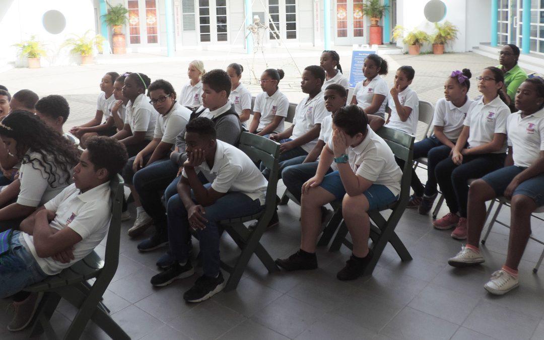 10 di mei 2017 Marnix Funderend Onderwijs (Klas 7b) e exsposishon di isla den nos bida na NAAM