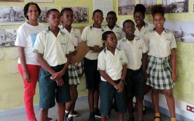 24 di mei 2017 Advent school Bonam a bin bishita e exsposishon di isla den nos bida na NAAM