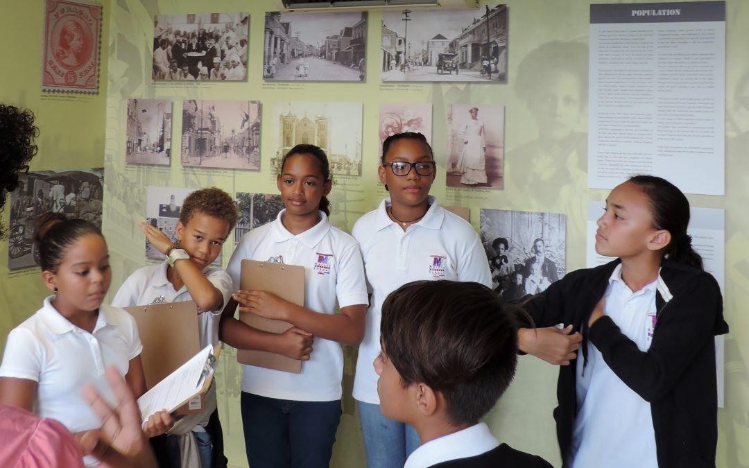 9 di mei 2017 Marnix Funderend Onderwijs (Klas 7a) e exsposishon di isla den nos bida na NAAM